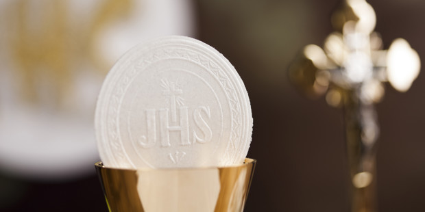 web3-eucharist-communion-bread-and-wine-body-and-blood-concept-shutterstock1